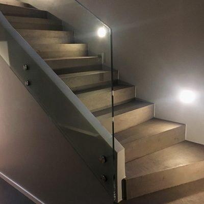 treppe-beton-cire-braun